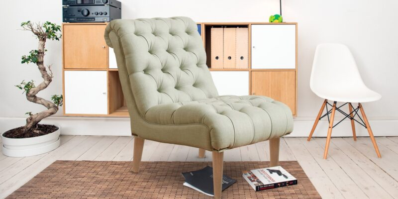 Doloris Stylish Tufted Chair In Beige Colour